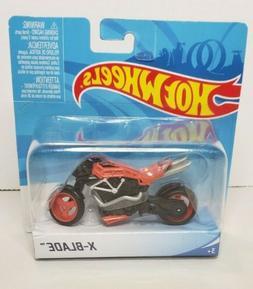 Hot Wheels Street Power Orange Rollin' Thunder Motorcycle